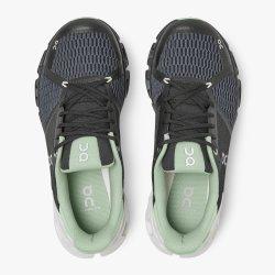 On Cloud Cloudflyer - pantofi alergare pentru femei - alb/negru